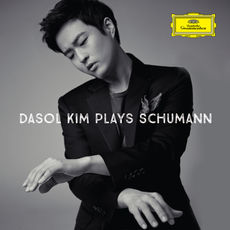 Plays Schumann