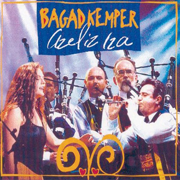 Bagad Kemper - Azeliz Iza (Breton Pipe Band - Celtic Music from Brittany - Keltia Musique - Bretagne)