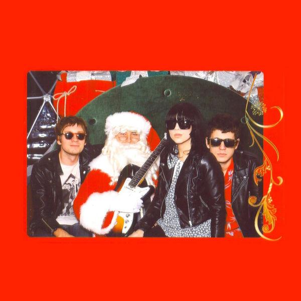 Dum Dum Girls - Merry Christmas, Baby (Please Don't Die)