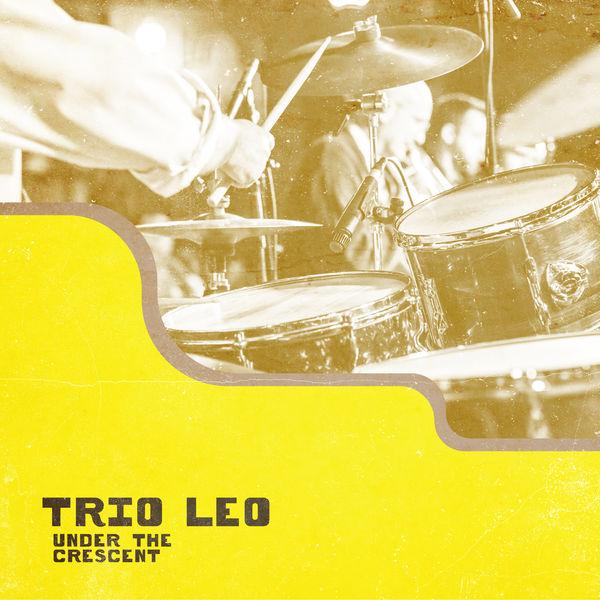 Trio Leo - Under the Crescent