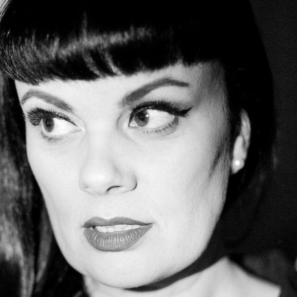 Tami Neilson - Crazy
